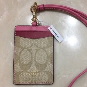 ❤️COACH Two Shaded Pink leather ID Holder &Lanyard